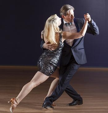 Tango marseille cours de tango de salon et tango argentin for Danse de salon marseille